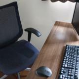 リモートワーク時代のデザイナーの自宅ミニマル作業デスク環境を紹介【仕事術】